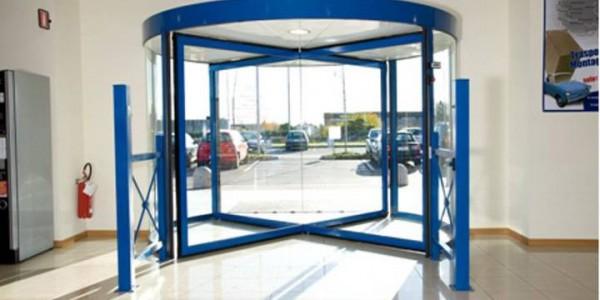 porta-automatica-girevole-alberghi-negozi-centri-commerciali-treviso-venezia-padova-belluno-faac