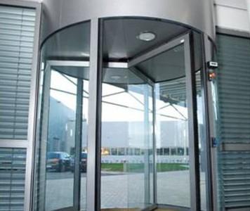 porta-automatica-girevole-hotel-alberghi-treviso-venezia-padova-belluno-faac