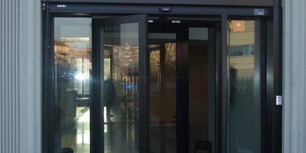 porte-automatiche-scorevoli-antipanico-per-hotel-alberghi-bar-centri-direzionali-1-treviso-venezia-padova-belluno-faac-en-16005