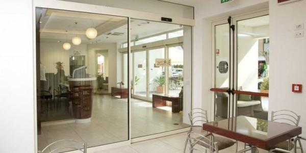 porte-automatiche-scorevoli-hotel-albergo-treviso-venezia-padova-belluno-faac
