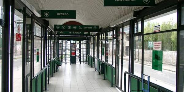 porte-automatiche-scorevoli-per-pensiline-stazioni-bus-metropolitane-trasporto-pubblico-treviso-venezia-padova-belluno-faac